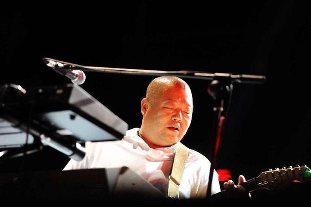 Ca sĩ nhạc rock nổi tiếng của Trung Quốc chết vì ung thư gan, cảnh báo kiểu người dễ mắc chứng bệnh này - Ảnh 1.