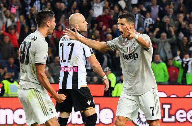 Quay cuồng trong nghi án, Ronaldo vẫn tỏa sáng giúp đội nhà lập kỷ lục ấn tượng nhất lịch sử - Ảnh 3.