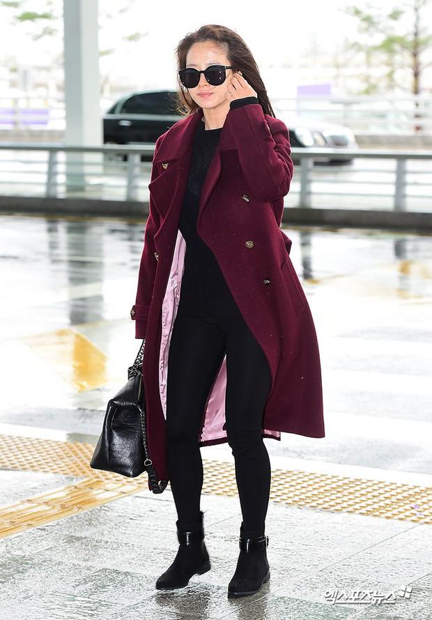 Bạn gái G-Dragon tăng cân vẫn thần thái ngút ngàn, Song Ji Hyo để mặt mộc 100% xuất sắc bên bộ đôi Running Man - Ảnh 1.