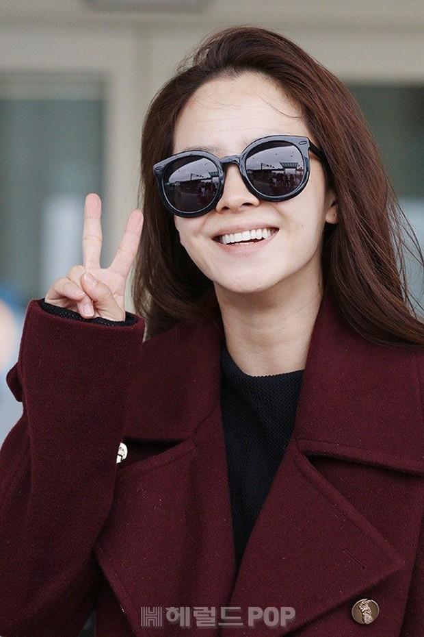 Bạn gái G-Dragon tăng cân vẫn thần thái ngút ngàn, Song Ji Hyo để mặt mộc 100% xuất sắc bên bộ đôi Running Man - Ảnh 5.