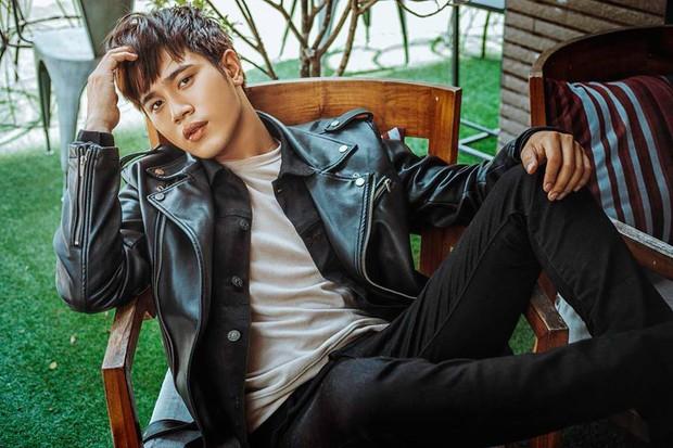 Hậu Duệ Mặt Trời Việt Nam: Ảnh đời thường diễn viên Hậu Duệ Mặt Trời - Ảnh 29.