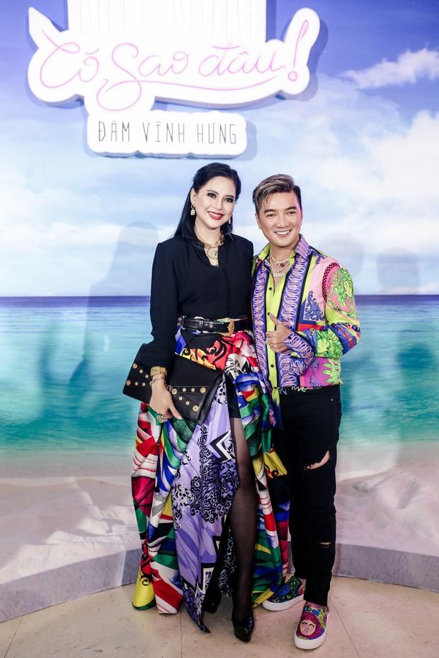 Mẹ chồng Hà Tăng đụng Nicki Minaj, riêng cô nàng Đệ nhất Rich Kid Việt thì có màn so dáng với Jun Vũ - Ảnh 2.