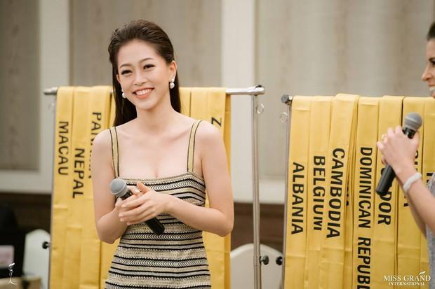 Trước Á hậu Phương Nga, các đại diện Việt Nam này cũng từng nhận được mưa lời khen về khả năng nói tiếng Anh lưu loát - Ảnh 10.