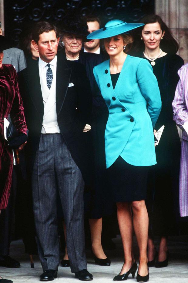 Đi đám cưới mà diện nào jumpsuit, nào đồ menswear, Công nương Diana chính là nữ nhân Hoàng gia có style dự đám cưới chất chơi nhất - Ảnh 7.