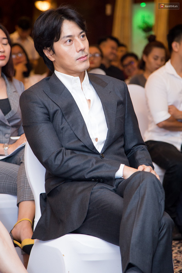 Tài tử Giày Thủy Tinh Han Jae Suk mặt lạnh như tiền ở buổi công bố dự án hợp tác cùng Lý Nhã Kỳ - Ảnh 4.