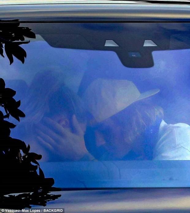 Nhìn loạt ảnh xơ xác của Justin Bieber, không thể tin nổi đây là siêu sao thế giới với tài sản ngàn tỷ! - Ảnh 7.