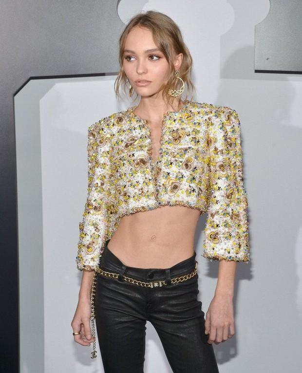 Con gái tài tử Johnny Depp giữ dáng thế nào để trở thành người mẫu đẹp hút hồn ở độ tuổi trăng tròn? - Ảnh 1.
