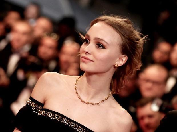 Con gái tài tử Johnny Depp giữ dáng thế nào để trở thành người mẫu đẹp hút hồn ở độ tuổi trăng tròn? - Ảnh 11.