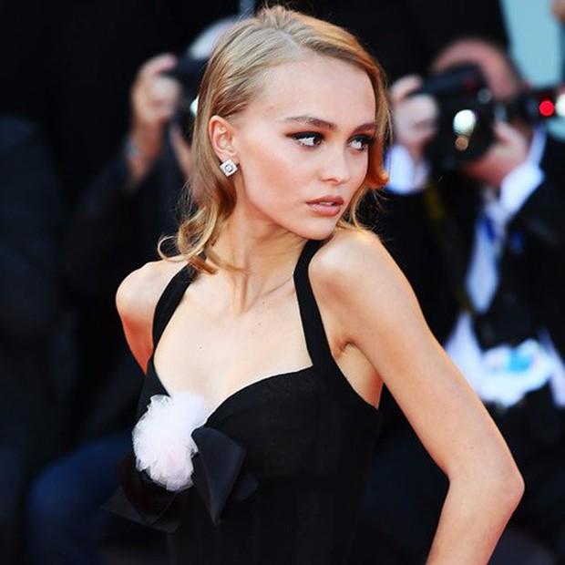 Con gái tài tử Johnny Depp giữ dáng thế nào để trở thành người mẫu đẹp hút hồn ở độ tuổi trăng tròn? - Ảnh 12.