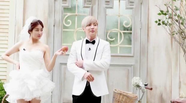 Leeteuk và những pha mùi mẫn cùng các bóng hồng Kpop trên show giải trí - Ảnh 3.