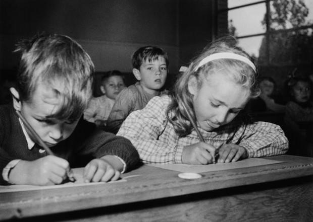 Bộ ảnh quý giá về học sinh các nước trên toàn thế giới ở thế kỷ 20 - Ảnh 22.