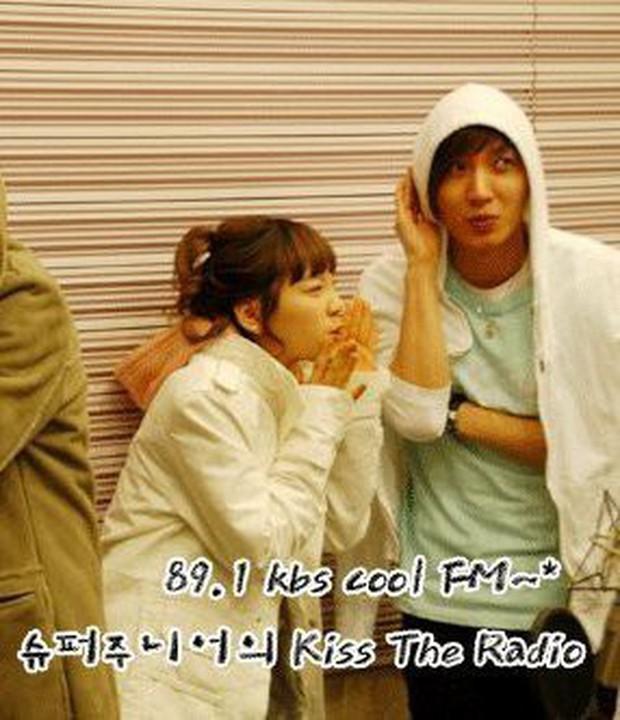 Leeteuk và những pha mùi mẫn cùng các bóng hồng Kpop trên show giải trí - Ảnh 11.