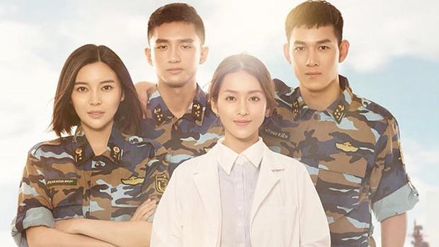 Sau 12 tập lên sóng, Hậu Duệ Mặt Trời bản Việt có gì khác với bản gốc? - Ảnh 2.