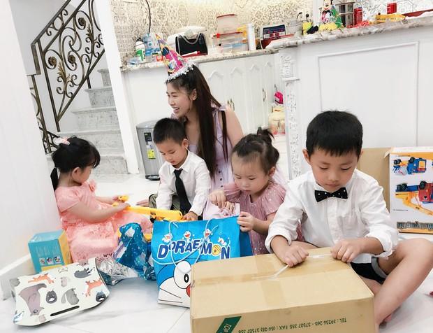 Vợ chồng Đăng Khôi - Thủy Anh tổ chức sinh nhật đơn giản, ấm áp cho con trai tròn 3 tuổi - Ảnh 6.