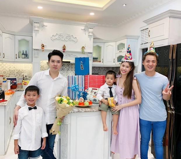 Vợ chồng Đăng Khôi - Thủy Anh tổ chức sinh nhật đơn giản, ấm áp cho con trai tròn 3 tuổi - Ảnh 8.