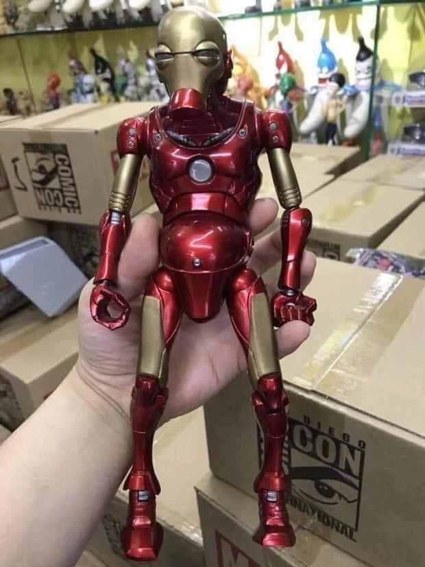 Đặt mua mô hình Iron Man trên mạng, thanh niên cay đắng nhận về chú Người sắt bị suy dinh dưỡng nặng - Ảnh 2.
