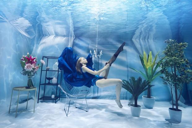 Chụp ảnh dưới nước, thí sinh Next Top Ba Lan không tránh khỏi biểu cảm trợn mắt như... chết trôi - Ảnh 5.