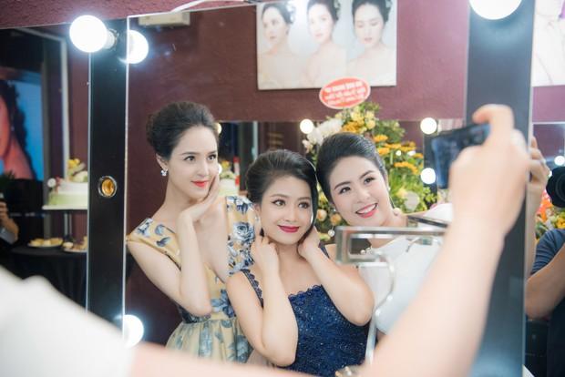 Vốn cực kín tiếng, Á hậu Việt Nam 2012 Hoàng Anh bất ngờ lần đầu tiết lộ về cuộc sống hôn nhân - Ảnh 9.