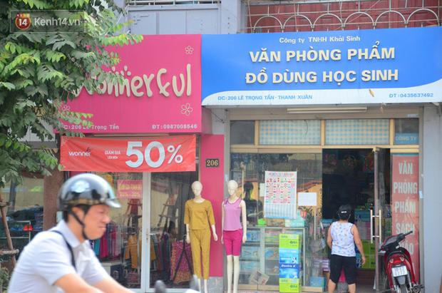 Ảnh, clip: Tuyến phố kiểu mẫu đầu tiên ở Hà Nội thất bại sau 2 năm thử nghiệm đồng phục biển hiệu - Ảnh 9.