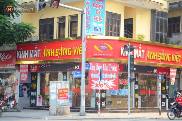 Ảnh, clip: Tuyến phố kiểu mẫu đầu tiên ở Hà Nội thất bại sau 2 năm thử nghiệm đồng phục biển hiệu - Ảnh 10.