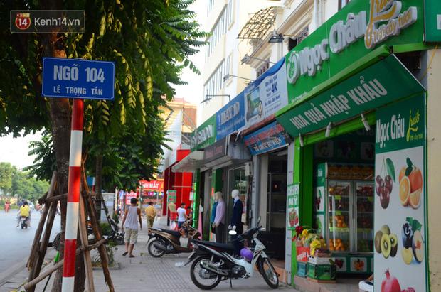 Ảnh, clip: Tuyến phố kiểu mẫu đầu tiên ở Hà Nội thất bại sau 2 năm thử nghiệm đồng phục biển hiệu - Ảnh 4.