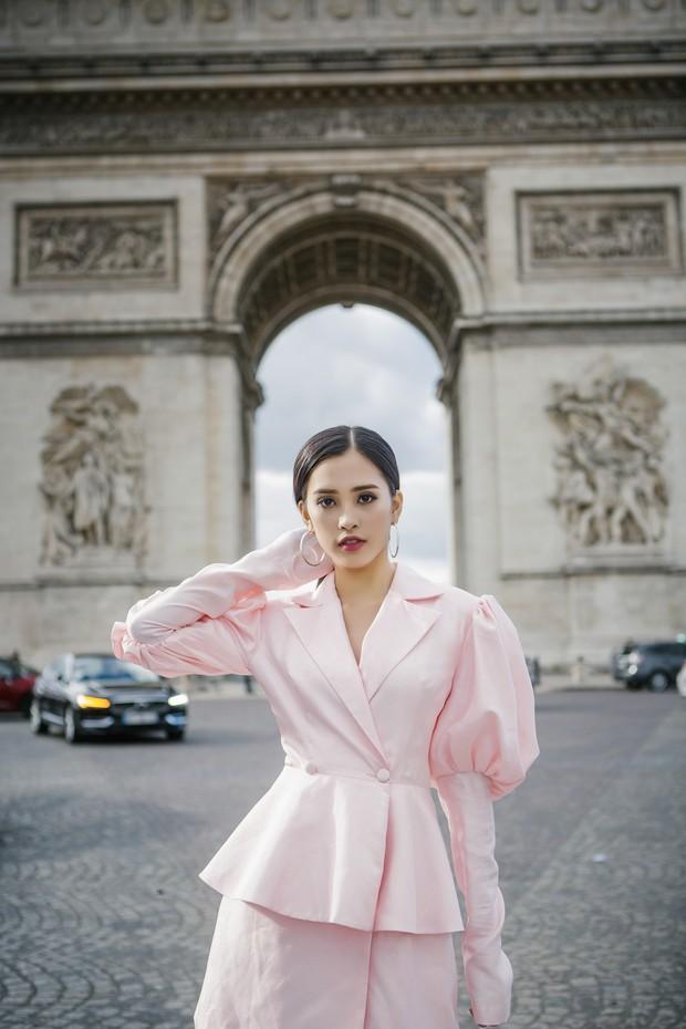 Hoa hậu Tiểu Vy gây dậy sóng MXH với thần thái đầy sắc sảo và thu hút trong bộ ảnh chụp tại Pháp - Ảnh 10.