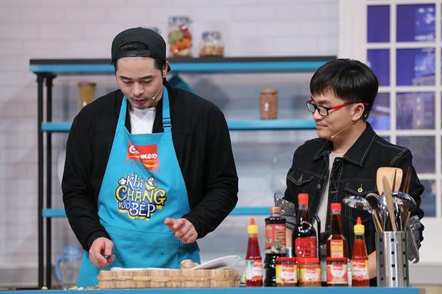 Hoàng Thùy, Cao Ngân không màng hình tượng, la hét đồng đội trong show nấu ăn - Ảnh 4.
