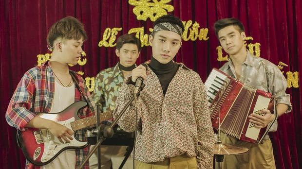 Juun Đăng Dũng quay MV như phim đám cưới ngày xưa, hát tặng những chàng trai nghe tin người yêu cũ lấy chồng - Ảnh 3.