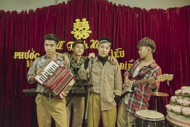 Juun Đăng Dũng quay MV như phim đám cưới ngày xưa, hát tặng những chàng trai nghe tin người yêu cũ lấy chồng - Ảnh 2.