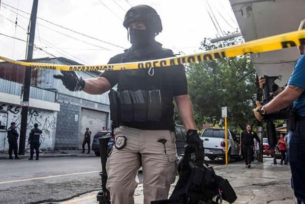 Bắt giữ cặp vợ chồng nghi giết hại 10 phụ nữ tại Mexico - Ảnh 1.