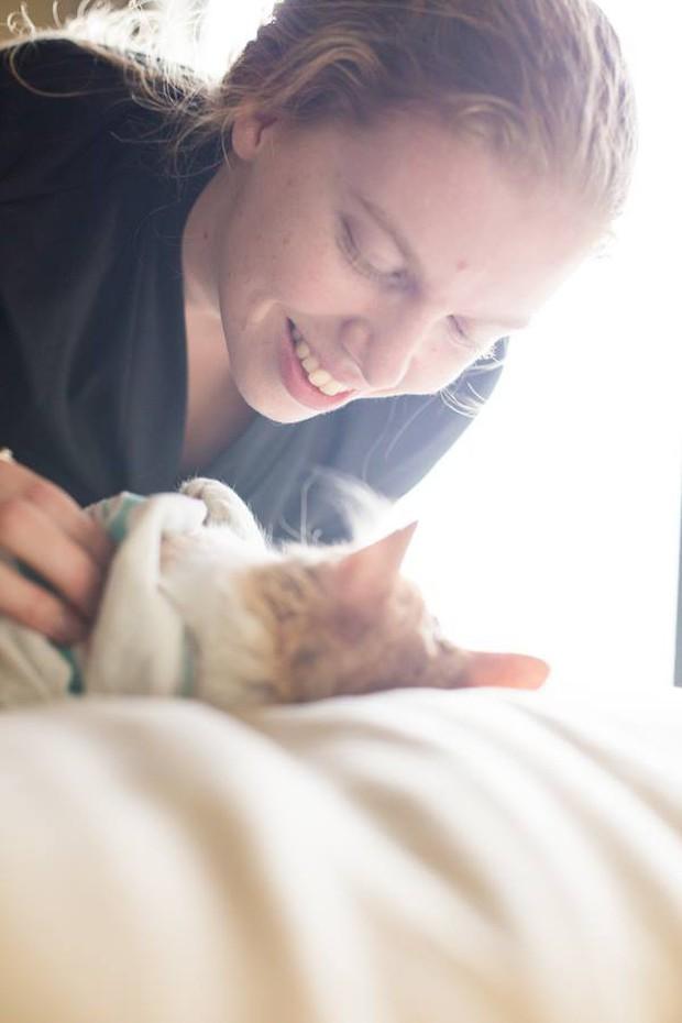 Cặp vợ chồng trẻ gây bão mạng xã hội vì bộ ảnh hạ sinh ra mèo - Ảnh 14.
