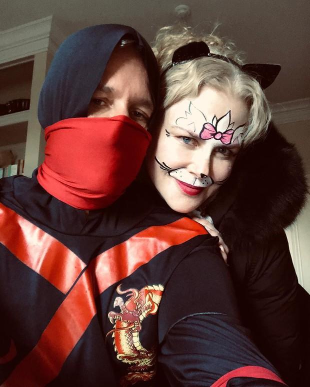 Trầm trồ với những màn hóa trang kỳ công của sao trong đêm Halloween, đặc biệt là nữ hoàng biến hình Heidi Klum - Ảnh 17.