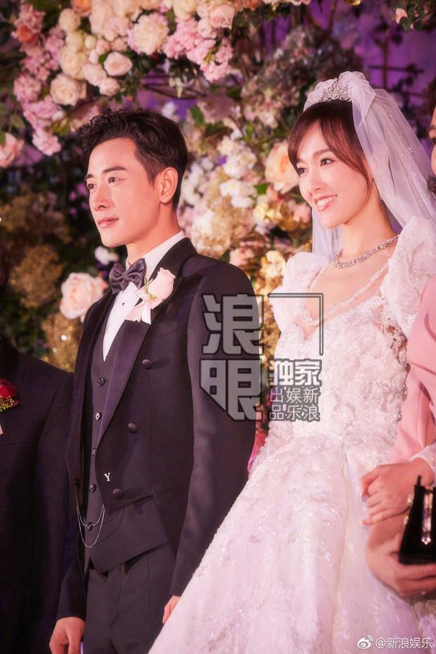 Đám cưới Đường Yên - La Tấn: Loạt ảnh hiếm trong đám cưới siêu bảo mật - Ảnh 1.