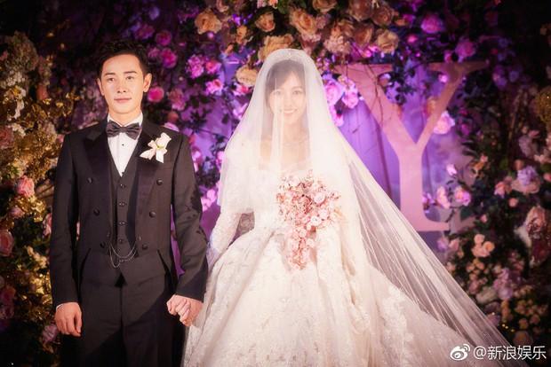 Đám cưới Đường Yên - La Tấn: Loạt ảnh hiếm trong đám cưới siêu bảo mật - Ảnh 3.