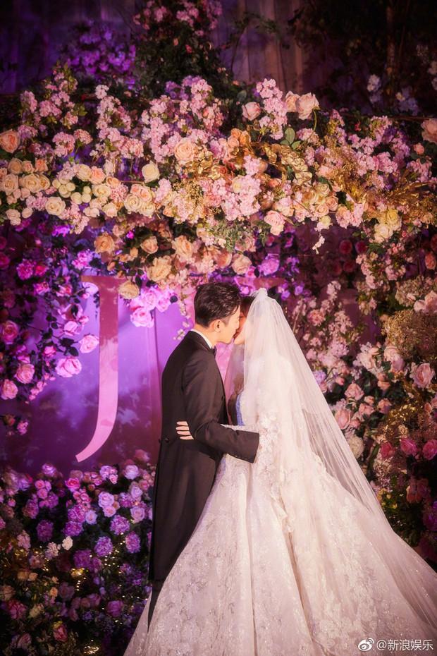 Đám cưới Đường Yên - La Tấn: Loạt ảnh hiếm trong đám cưới siêu bảo mật - Ảnh 6.