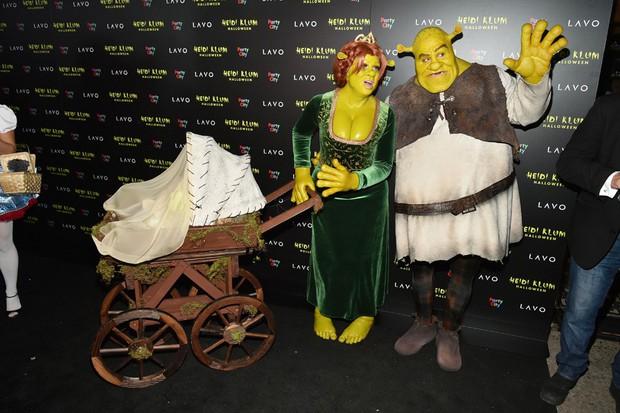 Trầm trồ với những màn hóa trang kỳ công của sao trong đêm Halloween, đặc biệt là nữ hoàng biến hình Heidi Klum - Ảnh 5.