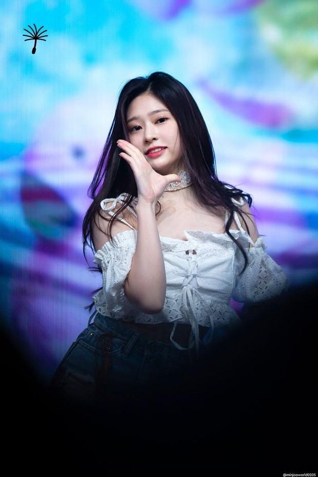 Show thực tế sản sinh ra dàn nữ thần Kpop thế hệ mới: Người tự nhiên, kẻ dao kéo nhưng ai cũng đẹp xuất thần - Ảnh 13.