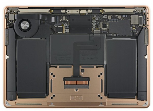 Lột trần MacBook Air 2018 mới thấy Apple sắp xếp linh kiện đẹp mắt tỉ mỉ như thế nào - Ảnh 1.