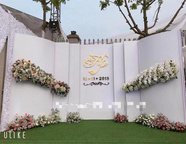 Hé lộ chi tiết khủng trong đám cưới của cặp đôi chi 1 tỷ tiền trang trí, cổng chào như cung điện, ca sĩ Ngọc Sơn về biểu diễn - Ảnh 4.