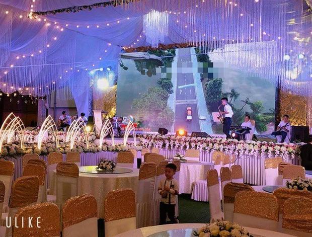 Hé lộ chi tiết khủng trong đám cưới của cặp đôi chi 1 tỷ tiền trang trí, cổng chào như cung điện, ca sĩ Ngọc Sơn về biểu diễn - Ảnh 5.