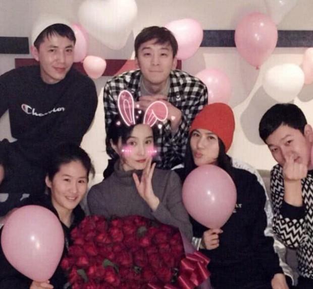 Hình ảnh Phạm Băng Băng trong bữa tiệc sinh nhật kín đáo bây giờ mới được tiết lộ - Ảnh 3.