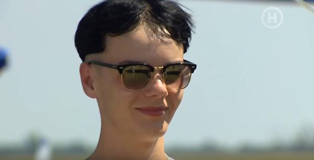 Vừa được hồi sinh, thí sinh Next Top Ukraine lập tức... xin ra về - Ảnh 1.