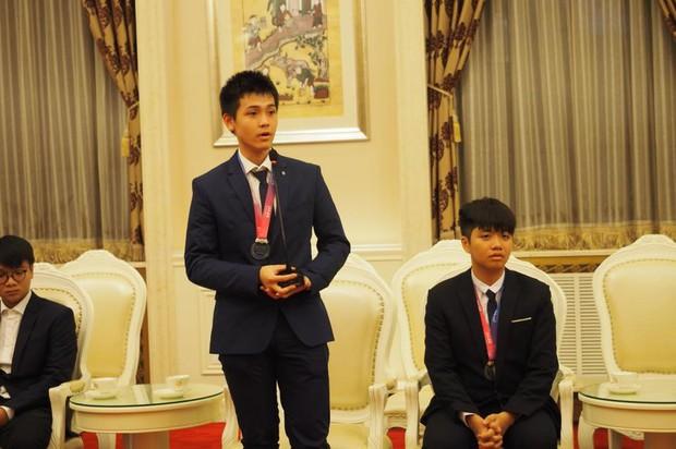 Việt Nam lần đầu tiên có thí sinh giành HCV Olympic Thiên văn học và Vật lý thiên văn quốc tế - Ảnh 2.