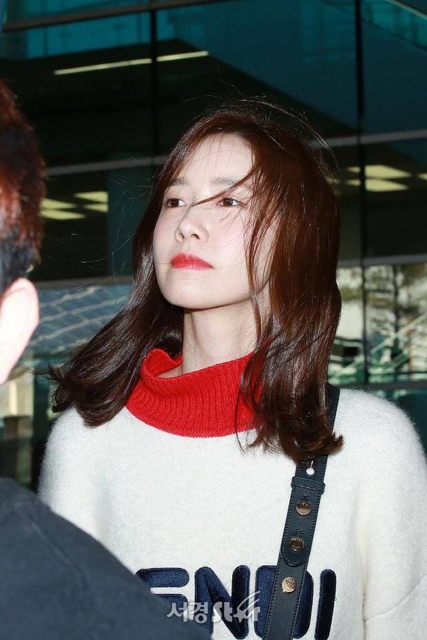 Yoona và Suzy tình cờ đụng độ tại sân bay: Người gây choáng vì mặt mộc quá đẹp, kẻ gầy vẫn đẹp như mơ - Ảnh 3.