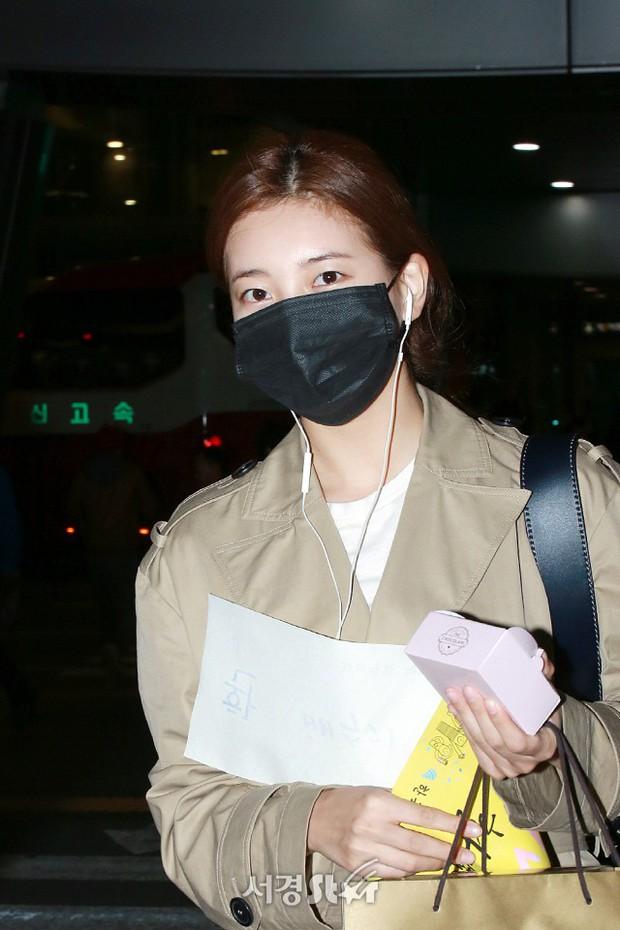 Yoona và Suzy tình cờ đụng độ tại sân bay: Người gây choáng vì mặt mộc quá đẹp, kẻ gầy vẫn đẹp như mơ - Ảnh 9.