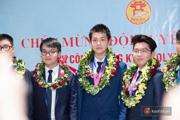 Nam sinh 2002 đẹp trai như nam thần, giành HCB Olympic Thiên văn học Quốc tế: Mê chơi LOL, đang tập gym để có 6 múi - Ảnh 6.