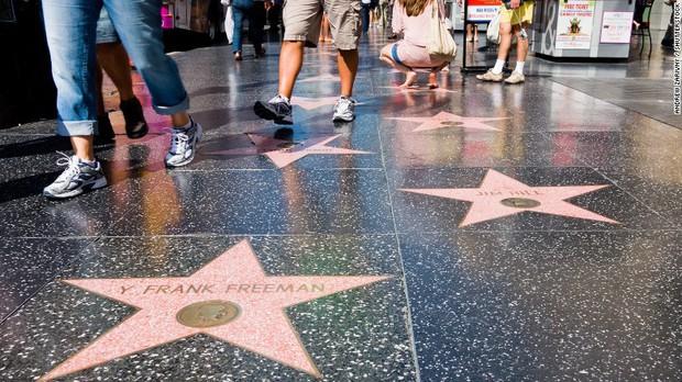 Đại lộ Danh vọng Hollywood: Làm sao để được vinh danh ở đây? - Ảnh 1.