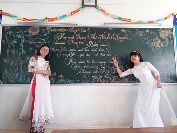 Xuất hiện đối thủ của các giáo viên Quảng Trị: 16 cô giáo Vũng Tàu viết bảng đẹp như rồng bay phượng múa - Ảnh 10.