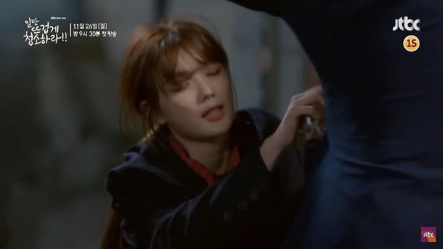 Kim Yoo Jung khiến dân tình hết hồn với tạo hình mới trong Clean with Passion for Now - Ảnh 9.