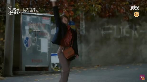 Kim Yoo Jung khiến dân tình hết hồn với tạo hình mới trong Clean with Passion for Now - Ảnh 8.